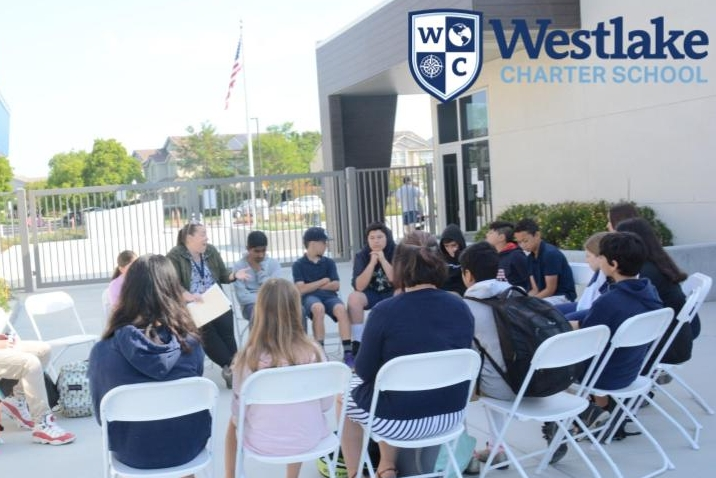 Our 6th-8th grade students participated in their second Advisory Fishbowl. Our students brainstormed how to build strong communities in middle school. Thank you to the parent volunteers for joining us, and to the students for sharing their voice.