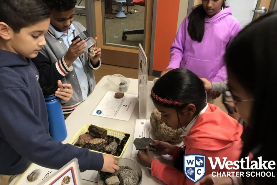 Our 4th graders had an in-house field lesson this week to enhance their earth science unit. Students were able to look at sands from around the world, compare rocks and fossils, look close up at crystals and more!